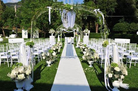 allestimento matrimonio in giardino allestimento matrimonio civile sul giardino foto di