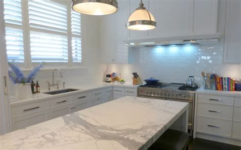 Kitchen Island Marble by Traditional Kitchens Inavogue