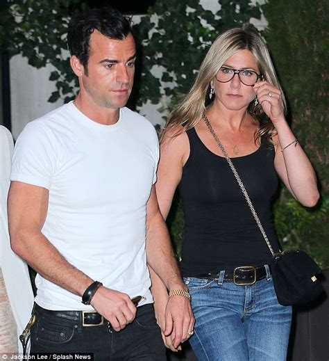 jennifer aniston is she married jennifer aniston reveals she s in no rush to wed justin