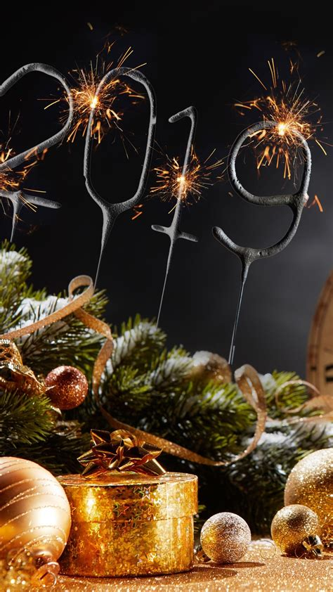 wallpaper happy  year  christmas balls champagne golden style  uhd  picture