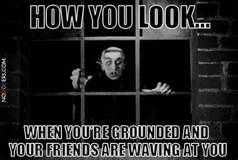 Dracula Meme - howyoulook nosferatu grounded gif flickering light