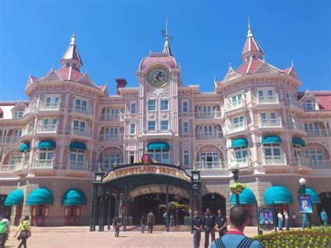 Disneyland Hotel, Paris   Photo de Disneyland Hotel, Chessy   TripAdvisor