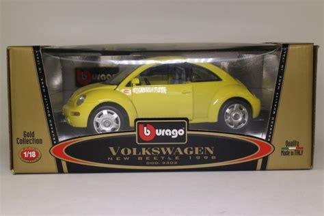 Burago Volkswagen New Beetle 1998 1 18 Scale Gold Collection New burago 1 18 scale 1998 volkswagen new beetle lemon yellow excellent boxed ebay