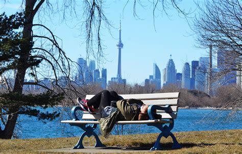 spring weather spring weather expected to linger until friday toronto