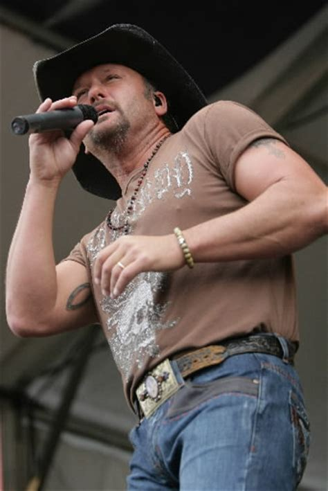 tim mcgraw tattoo tim mcgraw tattoos pictures images pics photos of his tattoos