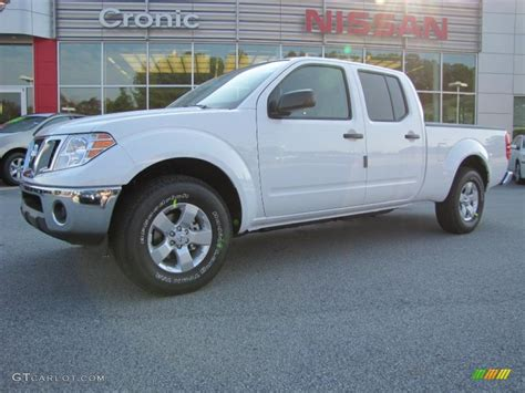 white nissan frontier 2011 avalanche white nissan frontier sv crew cab 37946012