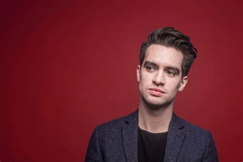 brendon urie panic at the disco s brendon urie announces broadway