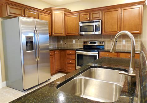 Luxury Apartments In Bloomington Normal Il St Ivans Apartments Apartments In Bloomington Normal Il