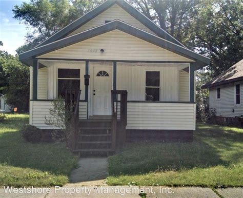 3 Bedroom Houses For Rent In Muskegon Mi by 1698 Elwood St Muskegon Mi 49442 Rentals Muskegon Mi