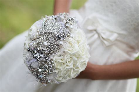 5 bejeweled bridal bouquets