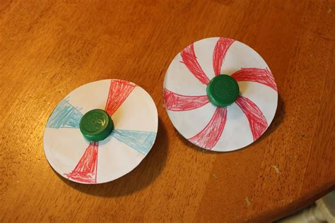 How To Make Cd Out Of Paper - colorful cd spinners
