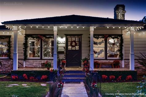 easy christmas porch lighting ideas outside light ideas houses decorated with lights