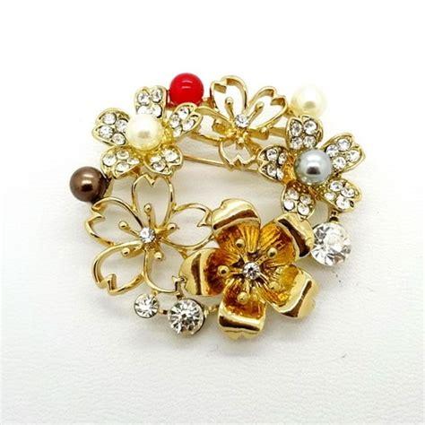 Cincin Nama Bertabur Permata Perhiasan Nama Bros Bunga Emas Mutiara Pusaka Dunia