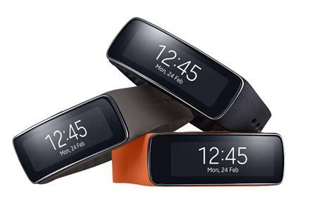 Neue Outdoor Gadgets: Samsung Gear 2 Uhr, Fitness Armband Gear Fit und Samsung Galaxy S5 bei