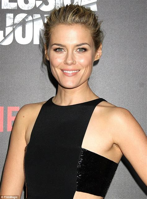 rachael taylor british model rachael taylor shows off her boxing skills as she punches