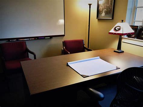 cluttered desk cluttered mind clear desk a empty desk clear mind excellent journey