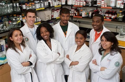 Pharmacy Student by Rattler Nation Famu Showcases Health Science Programs To