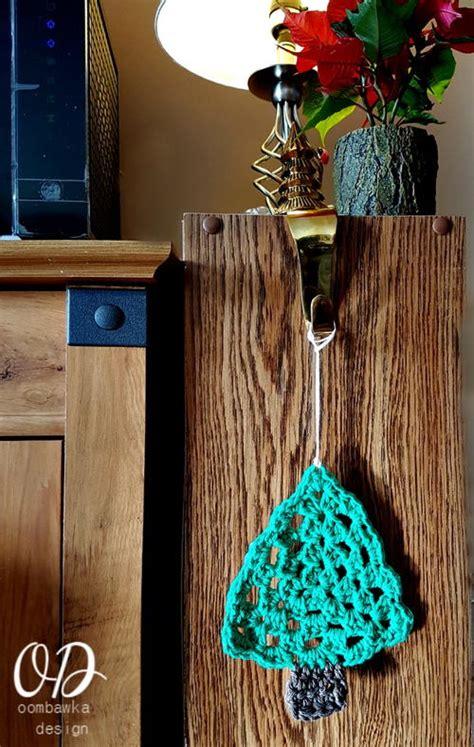 easy crochet christmas crafts simple crochet trees allfreechristmascrafts