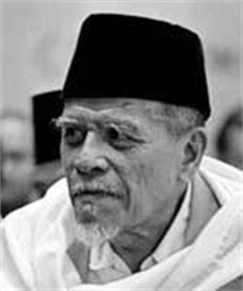 Biography Buya Hamka In English | biography of buya hamka biography
