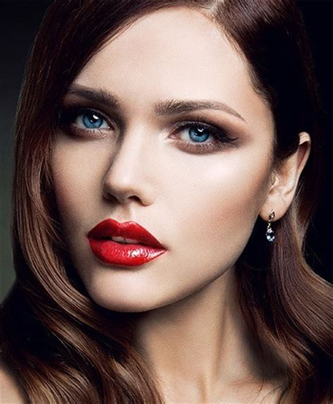 red lips at bianca spender the best beauty looks at how to wear red lipstick on your wedding day l makeup com