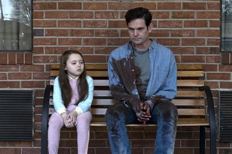 luke wilson hill house netflix s the haunting of hill house video brings kid and