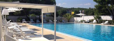 gargano appartamenti sul mare villaggio turistico con piscina ed alloggi sul mare a