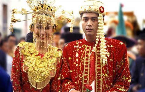 Giwang Gipsy Emas Ukir Serong 2 5 pakaian adat betawi nama gambar dan penjelasannya adat tradisional