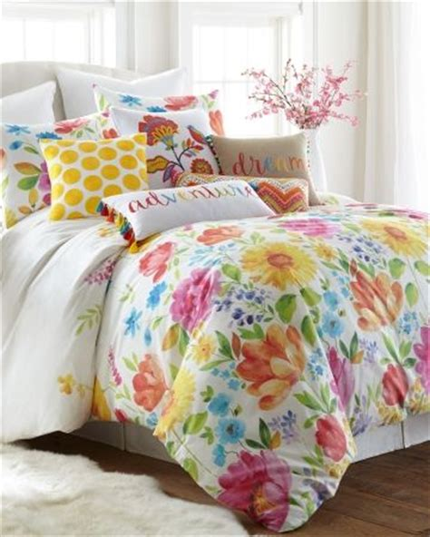 Floral Bedspreads And Comforters by Best 25 Floral Bedding Ideas On Floral Comforter Duvet Covers And Classic Floral