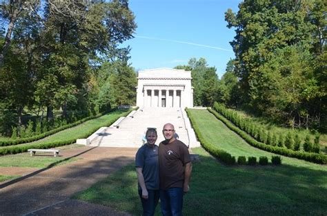 lincoln birthplace memorial at lincoln s birthplace picture of abraham lincoln