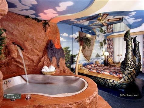 themed hotel rooms in indiana fantasyland hotel in edmonton canada