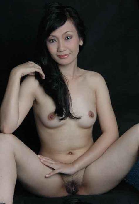 indonesia model ayu oktasari nude photos leaked