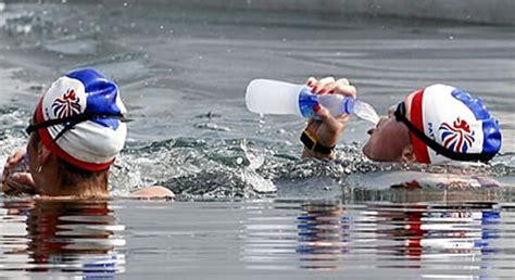 alimentazione prima di una gara di nuoto consigli per l alimentazione durante la gara di nuoto di