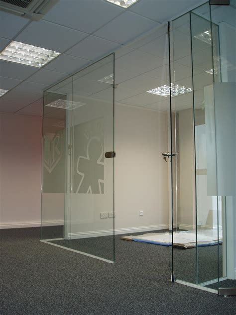 window pation door screen frameless glass partition installation glass glazing