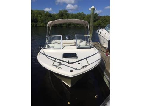 edgewater 205 express boats for sale 2005 edgewater 205 express powerboat for sale in florida