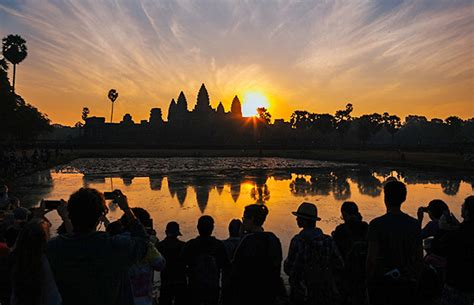 essential siem reap the must carry guide to the city and temples of angkor books siem reap essential tour 2 days 1 cambo tours travel
