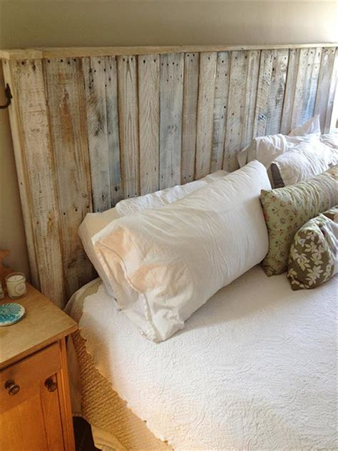 How To Make Headboards by Build A Simple Pallet Headboard 99 Pallets