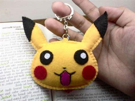 Gantungan Pikachu gantungan kunci dari kain flanel pikachu kerajinantangankita