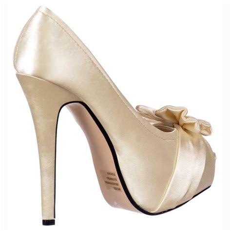 Brautschuhe Ivory Satin by Shoekandi Bridal Peep Toe Wedding Shoes Satin Bow