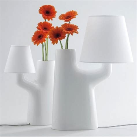 Design On Flower Vase by Out Of The Ordinary 18 Creative Flower Vases Designs