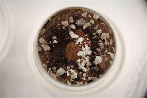 bezglutenowe brownie anna lewandowska świąteczny pudding z awokado i kakao anna lewandowska