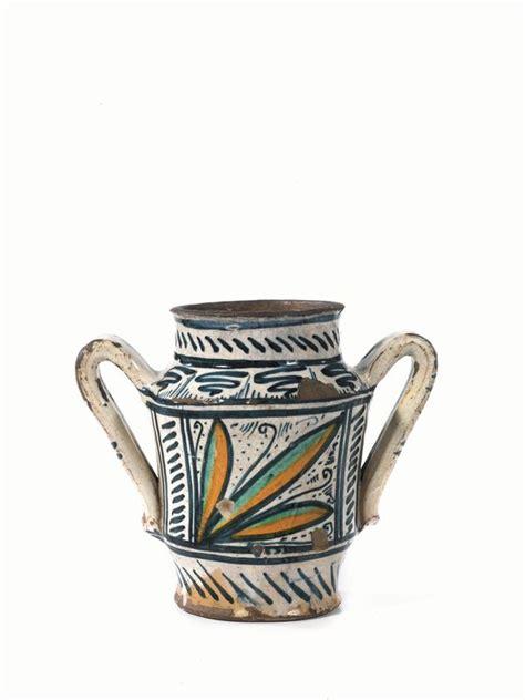 vaso deruta vaso biansato deruta sec xv in maiolica decorata in