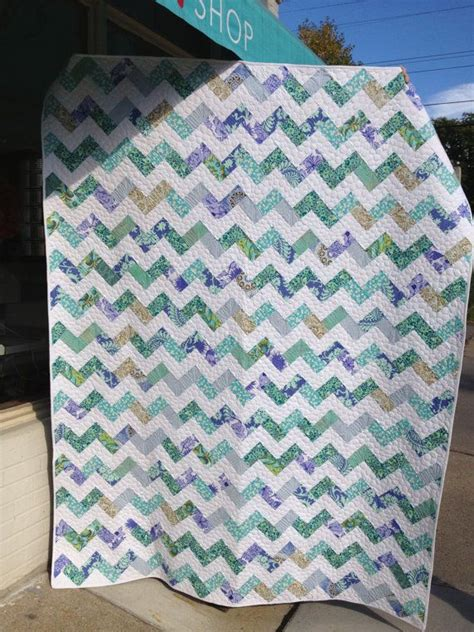 zig zag quilt pattern queen size zig zag queen size bed quilt quilt bed quilts and
