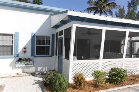 Tropical Winds Motel And Cottages Sanibel Fl by Tropical Winds Beachfront Motel And Cottages Sanibel Fl