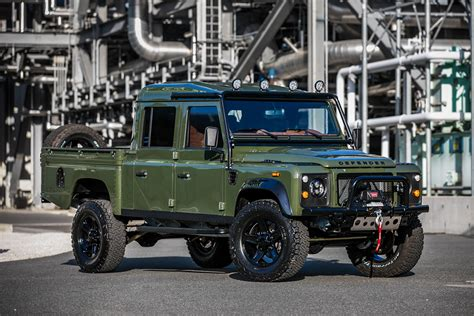 land rover 130 the land rover defender 130 the huntress comes with