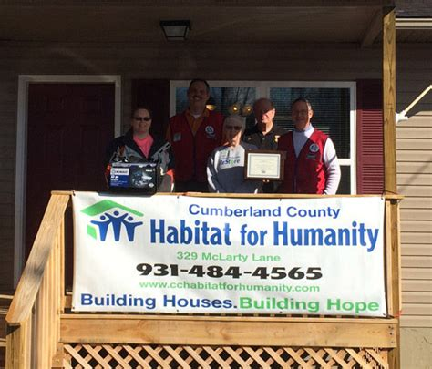 lowes crossville habitat honors lowe s of crossville as restore supporter