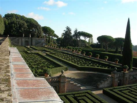 giardini di castel gandolfo vaticano il papa apre al pubblico i giardini di castel