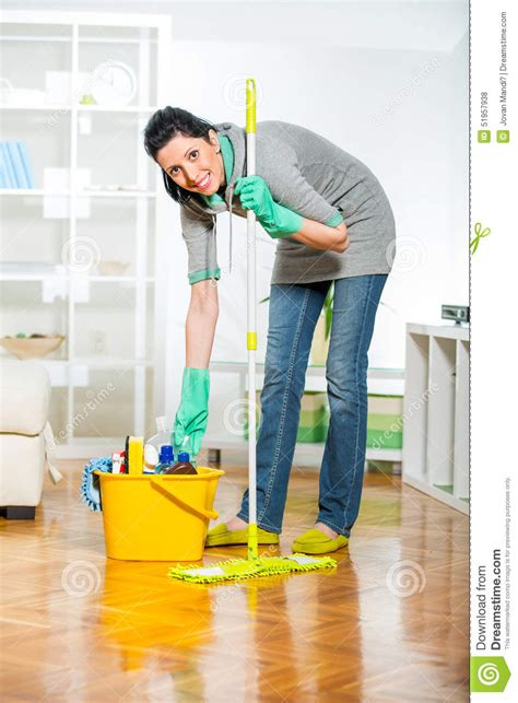cleaning the living room cleaning the living images usseek