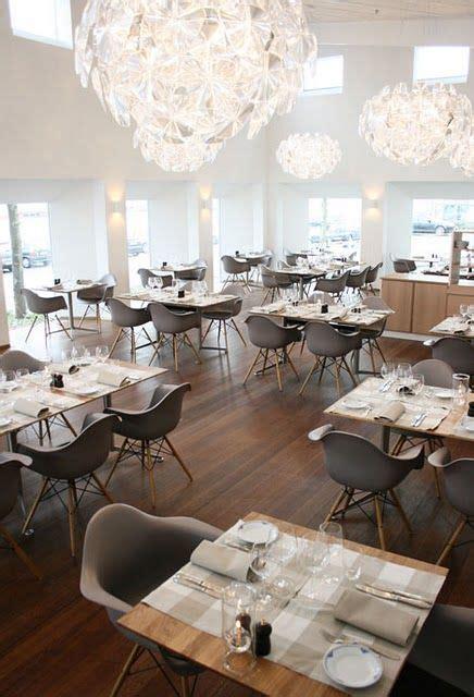 cafe vitra design museum masif restaurant masası ahşap restaurant masası ahşap
