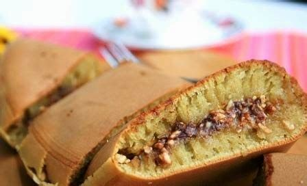 tips membuat martabak empuk cara membuat martabak manis enak empuk