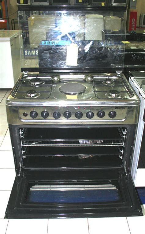 Microwave Sanyo 400w cebu appliance center selling appliances and a lot of